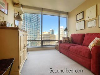 """Photo 14: 2001 1111 ALBERNI Street in Vancouver: West End VW Condo for sale in """"SHANGRI-LA"""" (Vancouver West)  : MLS®# R2565031"""