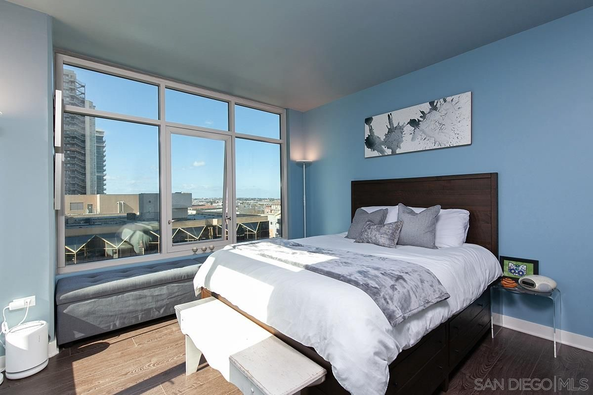Main Photo: DOWNTOWN Condo for sale : 1 bedrooms : 425 W Beech St #954 in San Diego