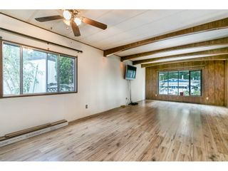 """Photo 5: 293 1840 160 Street in Surrey: King George Corridor Manufactured Home for sale in """"Breakaway Bays"""" (South Surrey White Rock)  : MLS®# R2616077"""