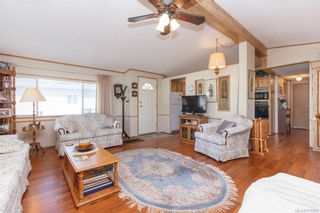 Photo 6: 5 1536 Middle Rd in View Royal: VR Glentana Manufactured Home for sale : MLS®# 775203