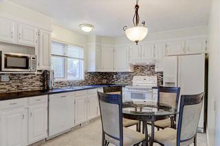 Photo 8: 43 STRATHEARN Crescent SW in Calgary: Strathcona Park Detached for sale : MLS®# C4183952