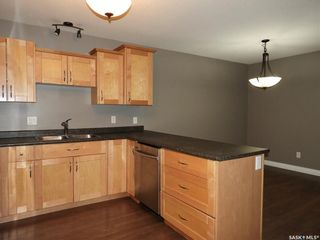 Photo 4: 455 Brooklyn Crescent in Warman: Residential for sale : MLS®# SK859831