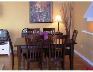 """Photo 5: 45 6575 192ND Street in Surrey: Clayton Townhouse for sale in """"IXIA"""" (Cloverdale)  : MLS®# F2900871"""