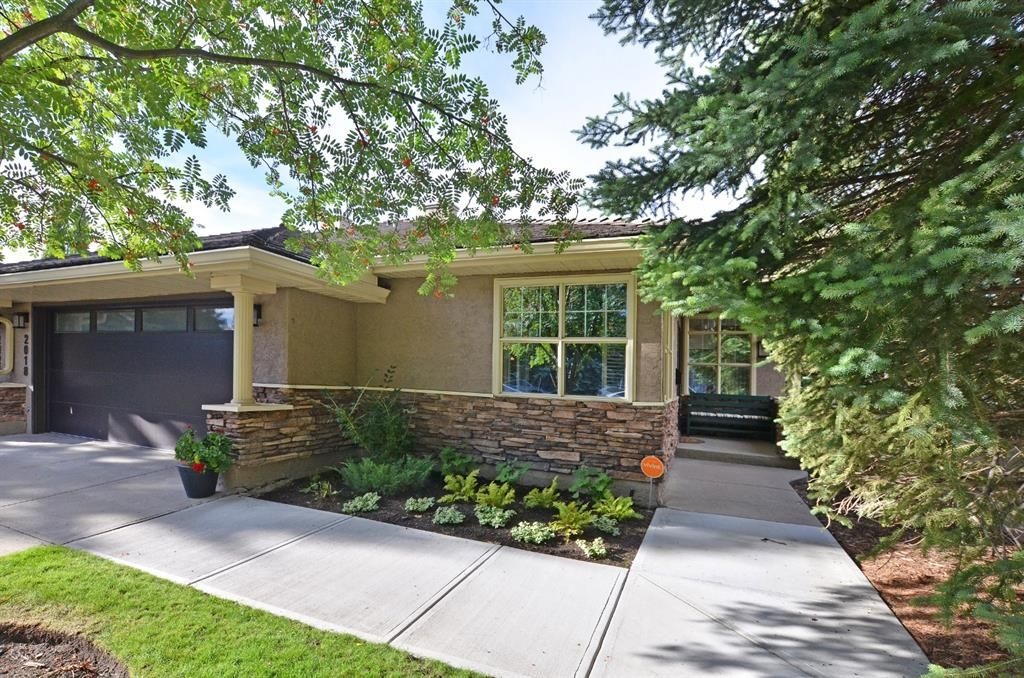 Class & Elegance in this Large   (1760 sqft) 40+ Walk Out Bungalow Villa in the heart of Palliser