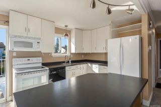 Photo 3: 1070 27th St in : CV Courtenay City House for sale (Comox Valley)  : MLS®# 851081