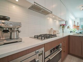 """Photo 12: 101 321 E 16TH Avenue in Vancouver: Mount Pleasant VE Townhouse for sale in """"ARNE"""" (Vancouver East)  : MLS®# R2467350"""