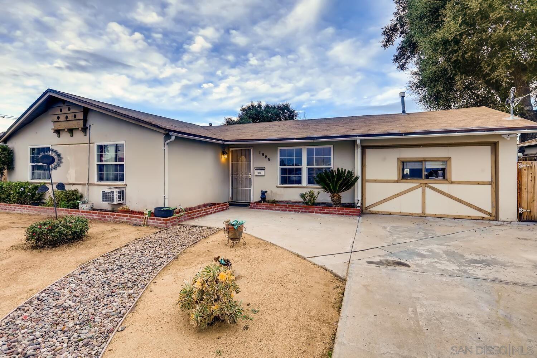Main Photo: EL CAJON House for sale : 6 bedrooms : 1528 Condor Ave