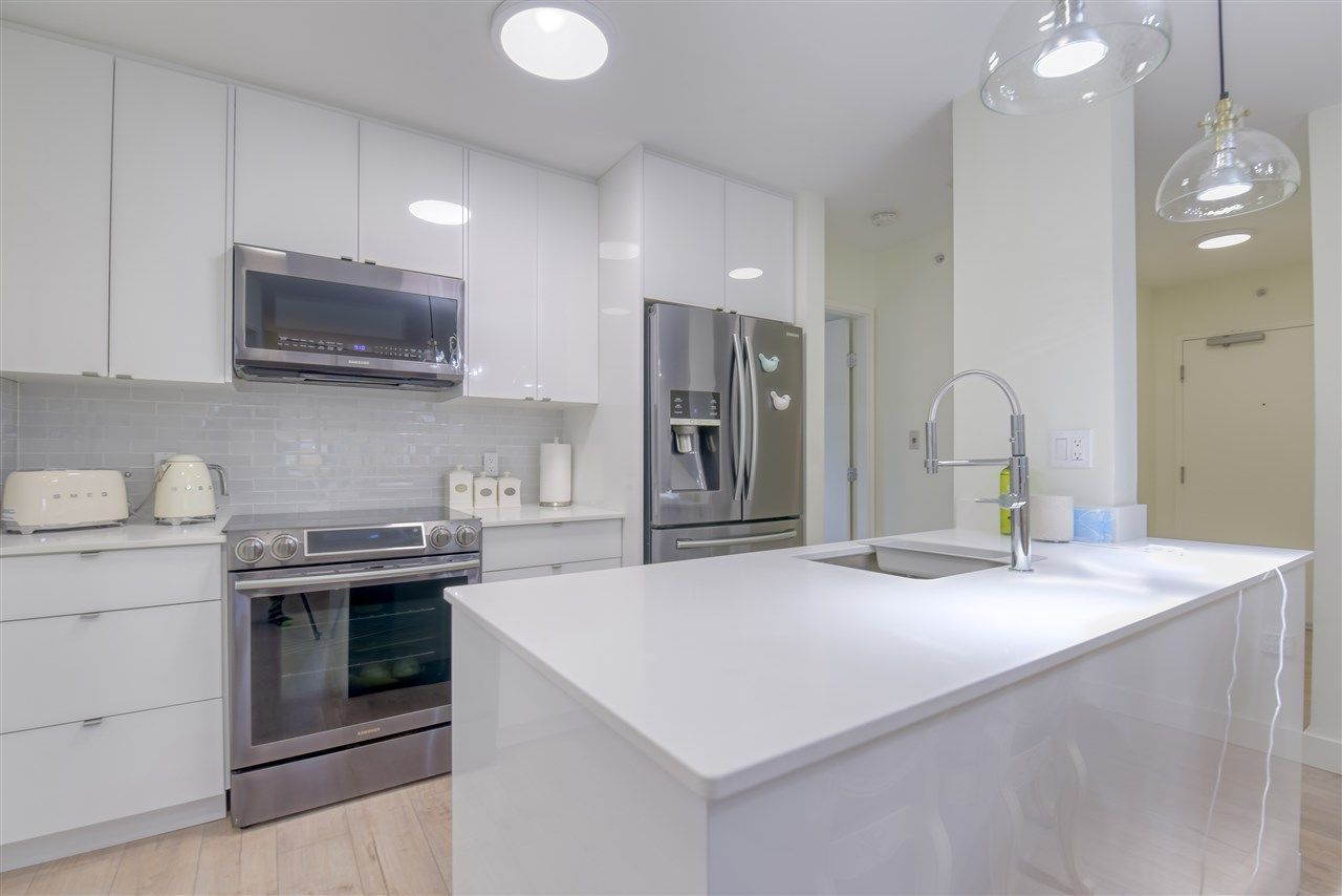 """Photo 10: Photos: 507 124 W 1ST Street in North Vancouver: Lower Lonsdale Condo for sale in """"THE """"Q"""""""" : MLS®# R2509553"""