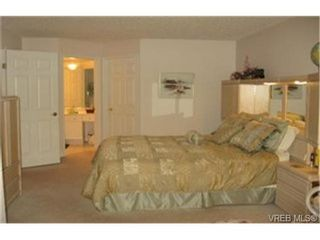 Photo 3: SIDNEY CONDO HOME = SIDNEY REAL ESTATE Sold With Ann Watley. (250) 656-0131.