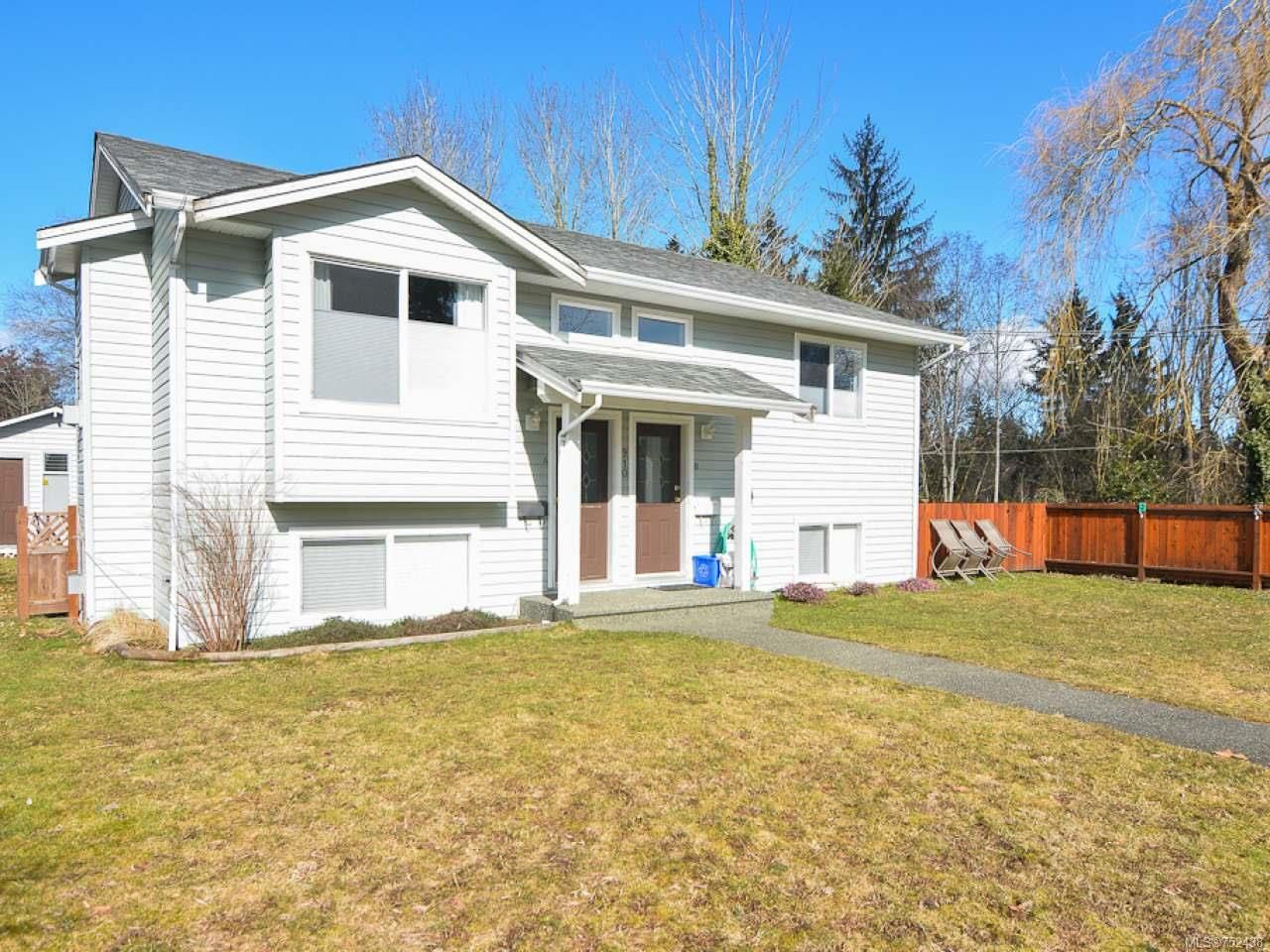 Main Photo: A 910 1st St in COURTENAY: CV Courtenay City Half Duplex for sale (Comox Valley)  : MLS®# 752438