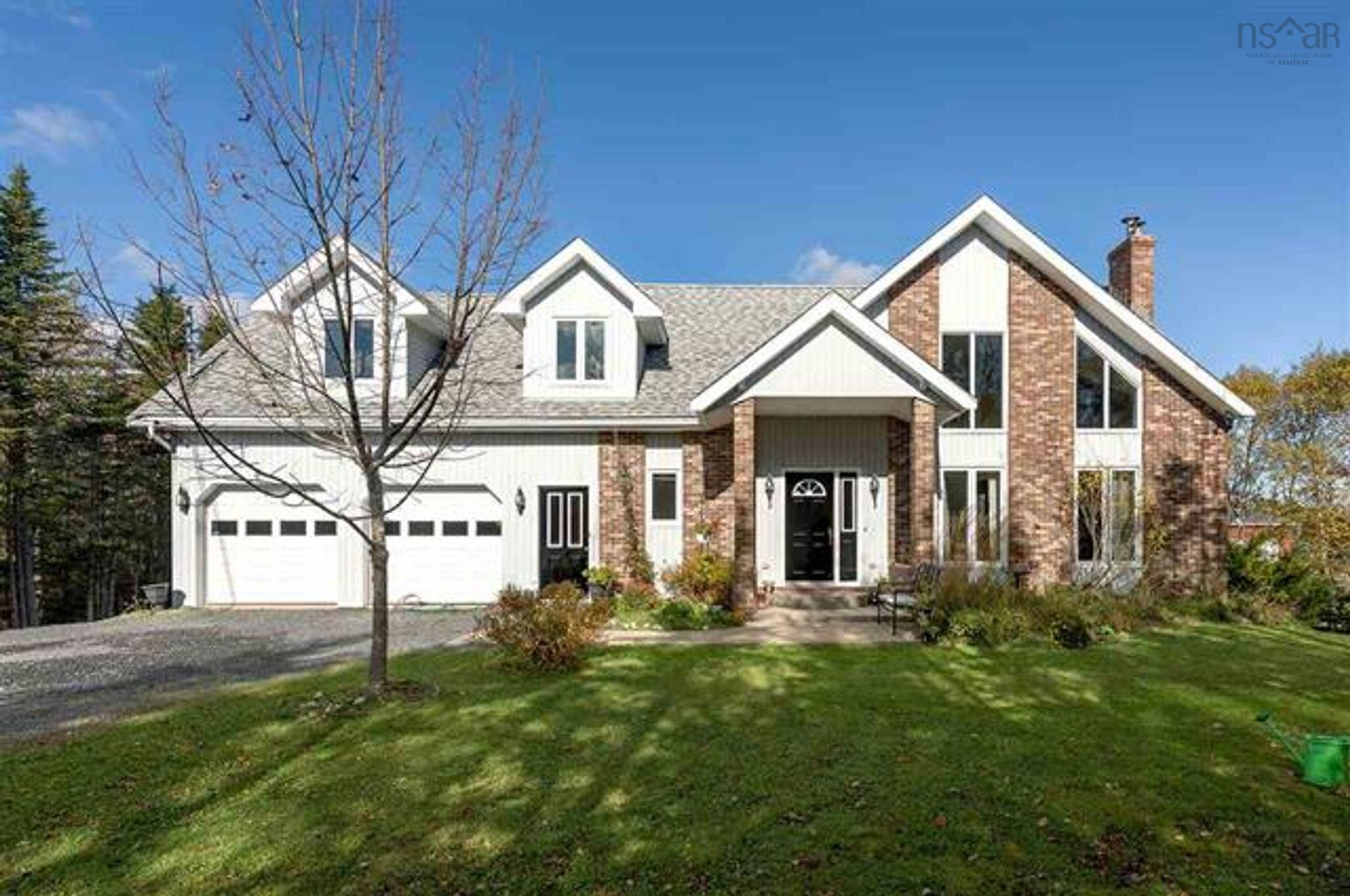 Main Photo: 16 Mersey Court in Hatchet Lake: 40-Timberlea, Prospect, St. Margaret`S Bay Residential for sale (Halifax-Dartmouth)  : MLS®# 202124290