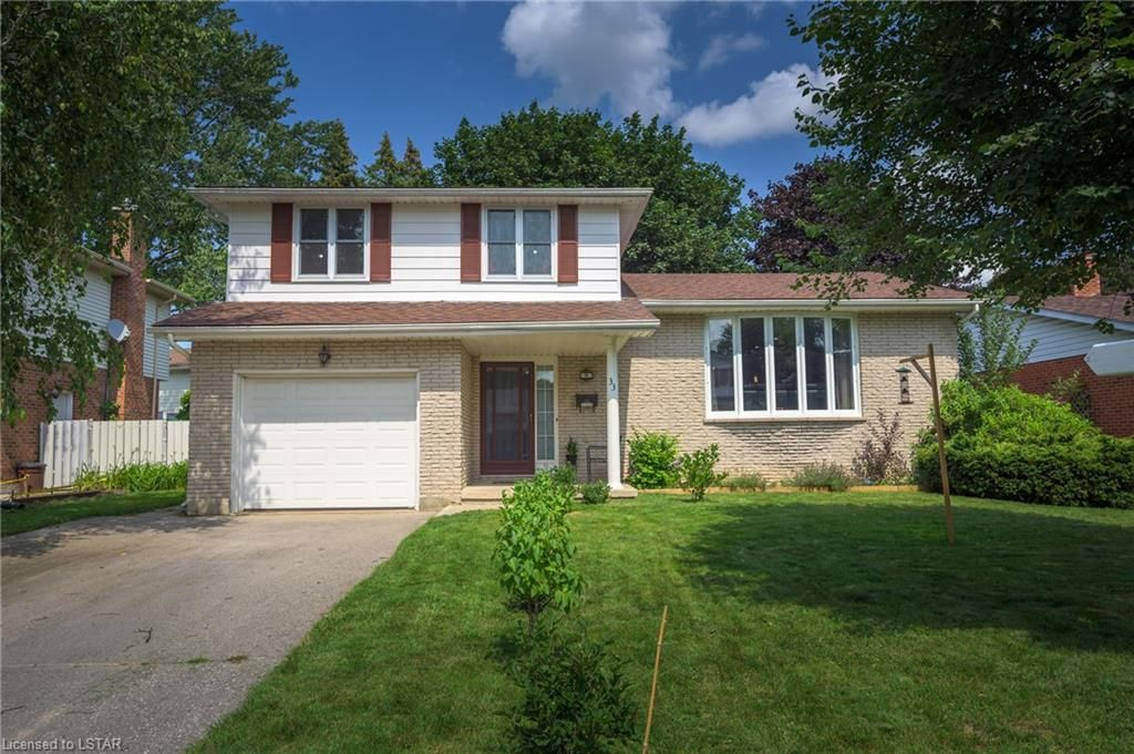Main Photo: 33 SPENCER Crescent in London: North G Residential for sale (North)  : MLS®# 40139251