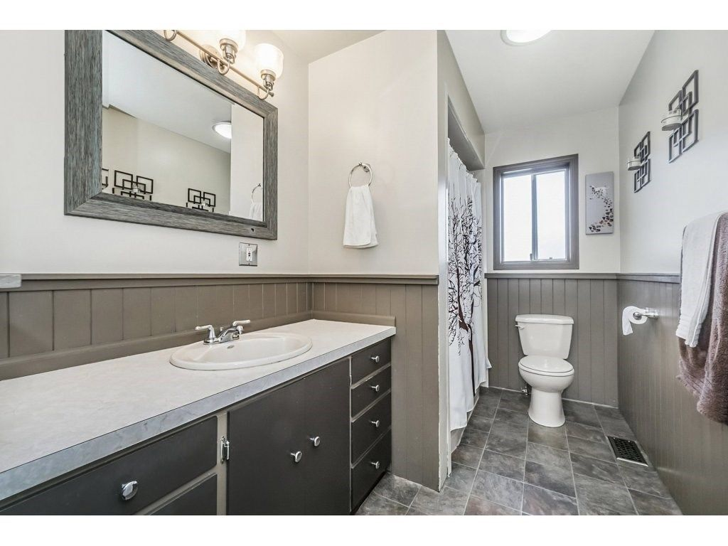 Photo 17: Photos: 6474 196 Street in Langley: Willoughby Heights House for sale : MLS®# R2239174