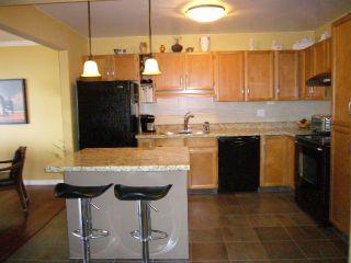 Photo 2: # 612 1350 VIDAL ST: White Rock Condo for sale (South Surrey White Rock)  : MLS®# F1424524
