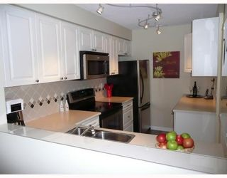 """Photo 2: 303 5800 ANDREWS Road in Richmond: Steveston South Condo for sale in """"THE VILLAS AT SOUTHCOVE"""" : MLS®# V737479"""