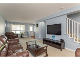 """Photo 12: 42 4401 BLAUSON Boulevard in Abbotsford: Abbotsford East Townhouse for sale in """"The Sage"""" : MLS®# R2554193"""
