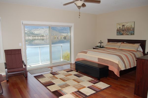 Photo 12: Photos: 4021 Lakeside Road in Penticton: Penticton South Residential Detached for sale : MLS®# 136028