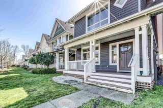 Photo 1: 172 DOCKSIDE COURT in New Westminster: Queensborough House for sale : MLS®# R2557608