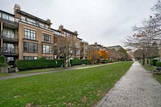 "Photo 29: 301 2175 SALAL Drive in Vancouver: Kitsilano Condo for sale in ""SAVONA"" (Vancouver West)  : MLS®# R2517640"