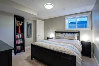 Photo 36: 2031 52 Avenue SW in Calgary: North Glenmore Park Detached for sale : MLS®# A1059510