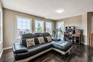 Photo 21: 157 Springbluff Boulevard SW in Calgary: Springbank Hill Detached for sale : MLS®# A1129724
