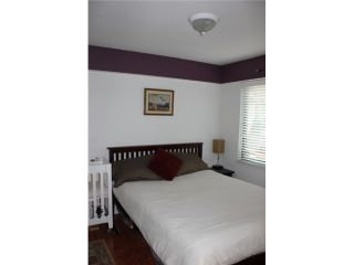 """Photo 5: 106 929 W 16TH Avenue in Vancouver: Fairview VW Condo for sale in """"OAKVIEW GARDENS"""" (Vancouver West)  : MLS®# V978752"""