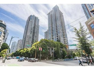 """Photo 1: 409 928 HOMER Street in Vancouver: Yaletown Condo for sale in """"Yaletown Park 1"""" (Vancouver West)  : MLS®# R2590360"""