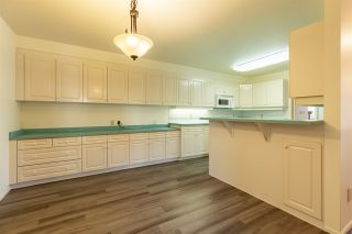 Photo 4: 9735 91 Street NW in Edmonton: Zone 18 Carriage for sale : MLS®# E4240247