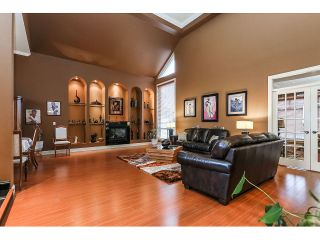Photo 3: 15945 89A Avenue in Surrey: Fleetwood Tynehead House for sale : MLS®# R2016465
