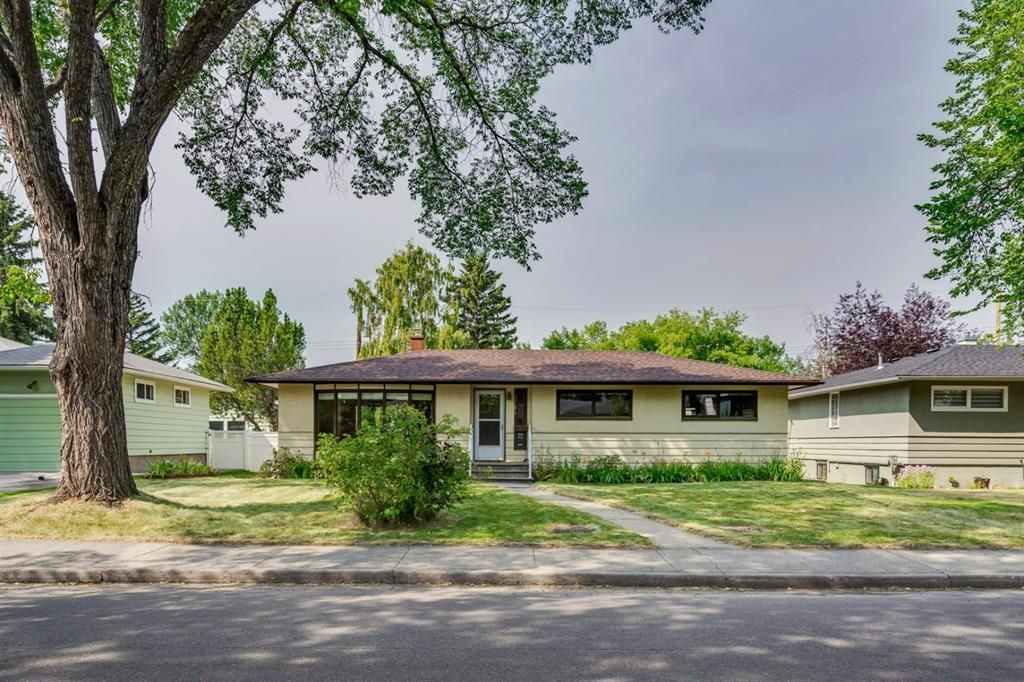 Main Photo: 4719 15 Street SW in Calgary: Altadore Detached for sale : MLS®# A1026652