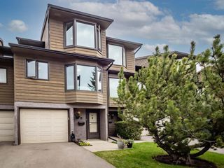 Main Photo: 20 23 Glamis Drive SW in Calgary: Glamorgan Row/Townhouse for sale : MLS®# A1108158