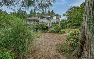 """Photo 34: 4941 WATER Lane in West Vancouver: Olde Caulfeild House for sale in """"Olde Caulfield"""" : MLS®# R2615012"""