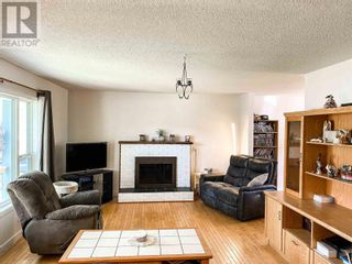 Photo 2: 514 LACOMA STREET in Prince George: House for sale : MLS®# R2602451