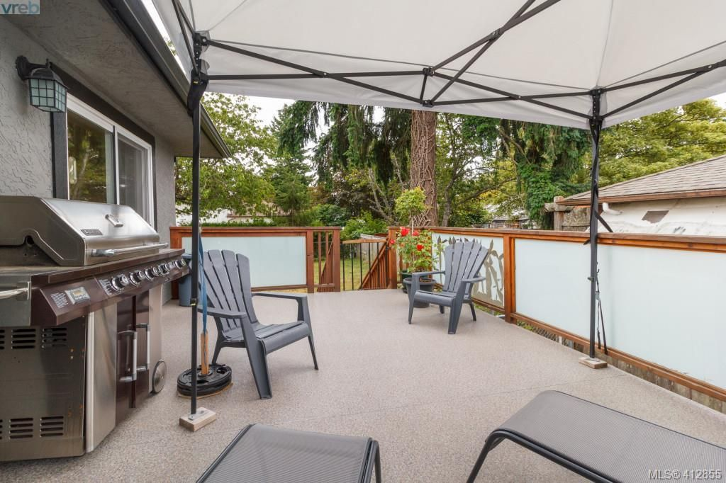 Photo 18: Photos: 3355 Painter Rd in VICTORIA: Co Wishart South House for sale (Colwood)  : MLS®# 818684