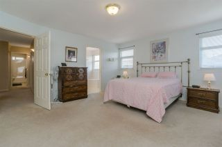 Photo 12: 5946 188 Street in Surrey: Cloverdale BC House for sale (Cloverdale)  : MLS®# R2189626