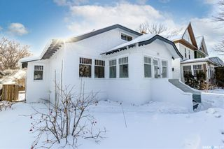 Photo 1: 207 29th Street West in Saskatoon: Caswell Hill Residential for sale : MLS®# SK841420