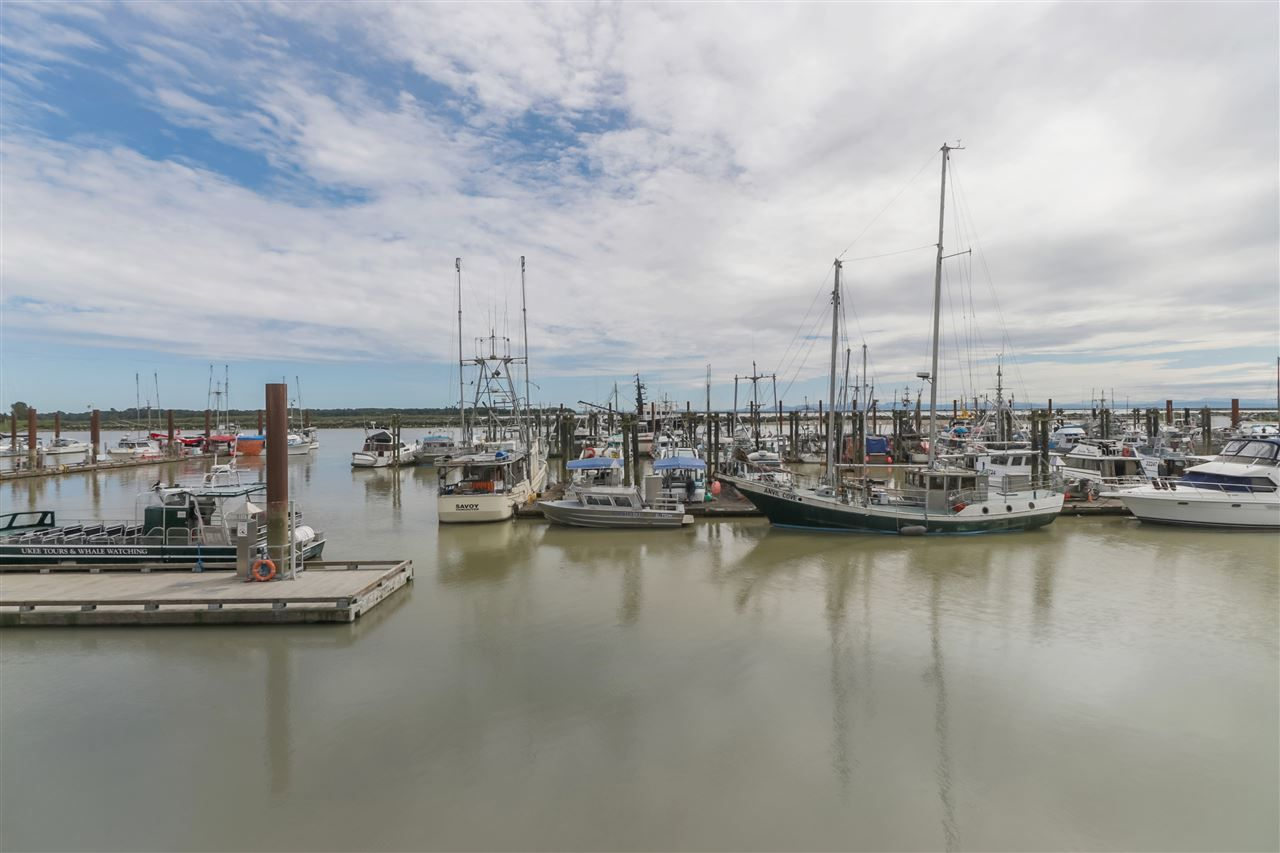 "Photo 18: Photos: 402 4111 BAYVIEW Street in Richmond: Steveston South Condo for sale in ""THE VILLAGE"" : MLS®# R2468998"