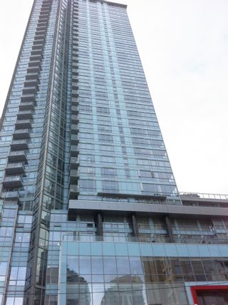 """Photo 2: 2210 833 SEYMOUR Street in Vancouver: Downtown VW Condo for sale in """"Capitol Residences"""" (Vancouver West)  : MLS®# V1056277"""