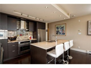 Photo 3: 1604 1320 Chesterfield Avenue in North Vancouver: Central Lonsdale Condo for sale : MLS®# V1035502