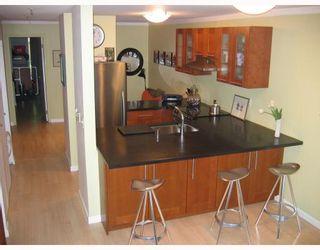 Photo 2: 110 2020 W 8TH Avenue in Vancouver: Kitsilano Condo for sale (Vancouver West)  : MLS®# V763790
