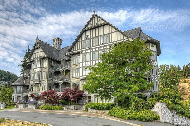 FEATURED LISTING: 301 - 2006 Troon Crt
