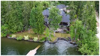 Photo 1: 6007 Eagle Bay Road in Eagle Bay: House for sale : MLS®# 10161207