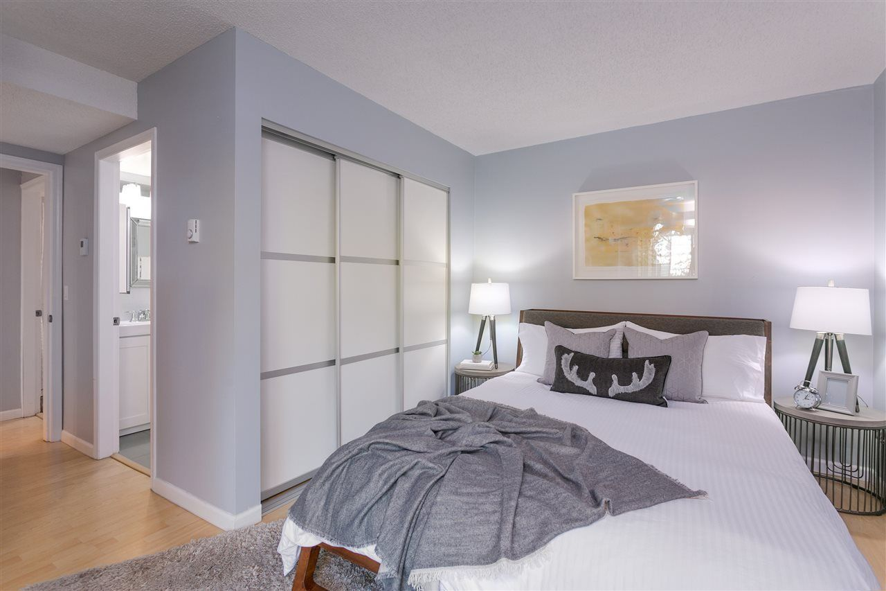 """Photo 9: Photos: 106 2428 W 1ST Avenue in Vancouver: Kitsilano Condo for sale in """"Noble House"""" (Vancouver West)  : MLS®# R2212887"""