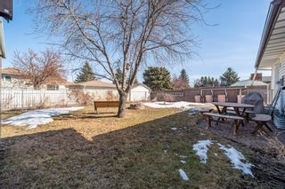 Photo 4: 628 Brookpark Drive SW in Calgary: Braeside Detached for sale : MLS®# A1083431