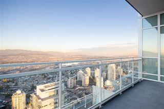 Photo 3: 5505 4670 Assembly Way in Burnaby: Metrotown Condo for sale (Burnaby South)
