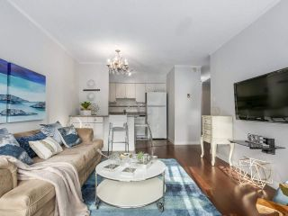 "Photo 1: 307 2120 W 2ND Avenue in Vancouver: Kitsilano Condo for sale in ""ARBUTUS PLACE"" (Vancouver West)  : MLS®# R2240959"