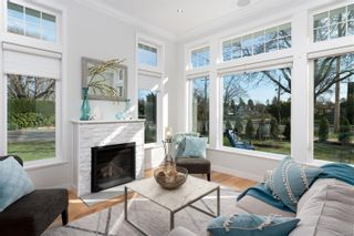 Photo 1: 2396 Windsor Rd in : OB South Oak Bay House for sale (Oak Bay)  : MLS®# 869477