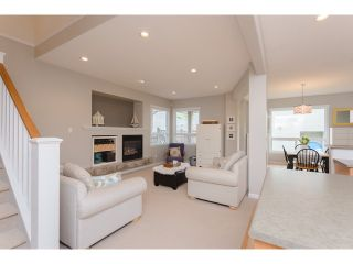 Photo 6: 18968 72 Avenue in Surrey: Clayton House for sale (Cloverdale)  : MLS®# F1439876