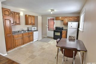 Photo 3: 459 25th Street East in Prince Albert: East Hill Residential for sale : MLS®# SK845753