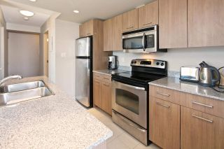 """Photo 8: 1509 1212 HOWE Street in Vancouver: Downtown VW Condo for sale in """"1212 HOWE by WALL FINANCIAL"""" (Vancouver West)  : MLS®# R2052065"""